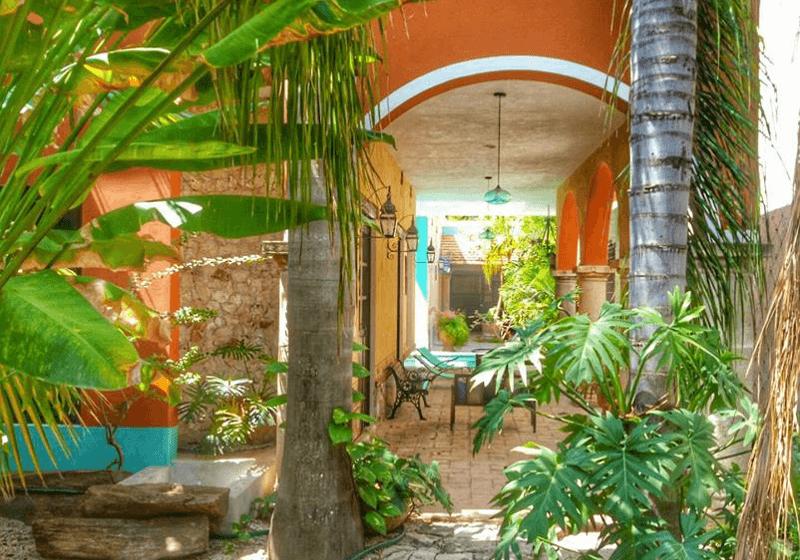 Casa Dos Lirios - Boutique Bed and Breakfast in Merida