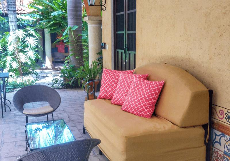 day bed, lounge area, garden, Casa Dos Lirios, Boutique Bed and Breakfast, B&B, Merida, Yucatan, travel Merida, travel Yucatan, Merida B&B, Merida accommodations